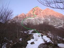 Dal 14 - 16/03/2012 Andrea Di Donato e Bertrand Lamaire hanno salito la via Il nagual e la farfalla sul Paretone al Gran Sasso.
