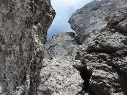 La Via Chiappa sale al centro della parete Torrioni Magnaghi Settentrionale in Grignetta
