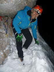 Nicola Tondini, bivacco durante la prima invernale di Kein Rest Von Sehnsucht, Punta Tissi, Civetta