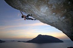 Nicolas Favresse during the first ascent of Inshallah 8c+, Kalymnos