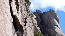 Luca Giupponi sul primo tiro di Tafunata Galattica (7a+), Contrafforti di Punta A Muvra, Bavella, Corsica