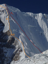Red line followed by Tomaz Humar (6000-7500 m). Orange line: Hyzer –Kukuzcka Polish Route