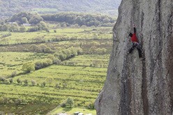 05/2012: Hansjörg Auer on-sighting Strawberries (E6 6c) at Tremadog, Wales. Freed by Ron Fawcett in 1980, it has only been climbed on-sight by Stefan Glowacz (1987) and Jorg Verhoeven (2011)