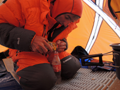 Ueli Steck preparing at Everest's South Col