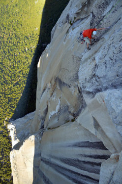 Hans Florine setting the new speed record up The Nose (Yosemite)