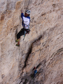 On 26/06/2012 Simon Gietl and his brother Manuel completed Agoge (8/8+,400m), a new route up Cima Scotoni in the Dolomites.