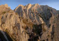 Inferno con vista, parete N Pilastro Montevecchi al Monte Camicia, 1967m. Apertura: G. Basile, C. Iurisci e S. Supplizi a comando alternato, 19 (e 20 solo discesa) luglio 2012