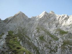La parte superiore di Vacanze romane (2070m, 43 tiri, EX-) parete Nord Monte Camicia (Gran Sasso).