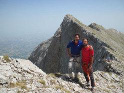 Vacanze romane (2070m, 43 tiri, EX-) parete Nord Monte Camicia (Gran Sasso).