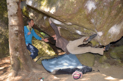 Fred Nicole bouldering with his brother François