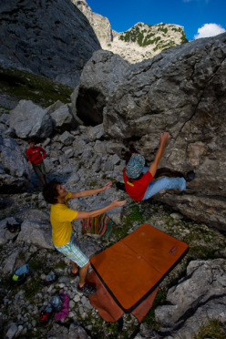 Bouldering at the Blaueisgletscher, Berchtesgarden, Germany