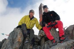 Giordano Giumelli e Mario Vannuccini in vetta al Monte Disgrazia per il 150° anniversario della storica prima salita.