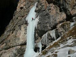 Beppe Ballico sul primo tiro della Cascata La Dotta Ignoranza