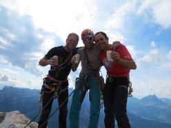 Enrico Geremia, Andrea Simonini e Nicola Tondini dopo la prima ripetizione di Quo vadis, Sass dla Crusc, Dolomiti
