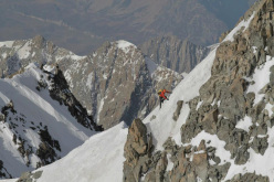 18/09/2012: Kilian Jornet Burgada climbs the Innominata Ridge to the summit of Mont Blanc in 6:17