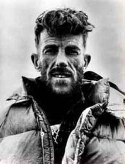 Sir Edmund Hillary all'epoca della prima salita dell'Everest