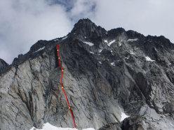 Tracciato di Techno Progressive (260m, VI+, VII+ con un tratto di A1) parete Ovest della Prima Gobba del Monte Folletto, Carè Alto, Adamello)