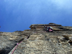 Max in apertura su L7 di Eppure il vento soffia ancora, Rocca la Meja, Val Maira