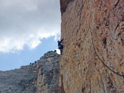 Massimo Da Pozzo climbing La beffa (7a+/7b), Cima Cason de Formin, Dolomiti