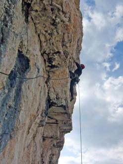 Massimo Da Pozzo su La beffa (7a+/7b), Cima Cason de Formin, Dolomiti