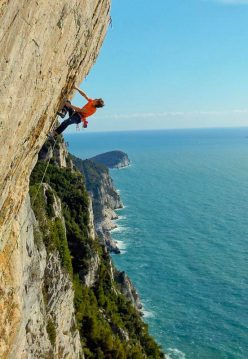 James Pearson on No Siesta, an amazing 8b at Muzzerone, Italy
