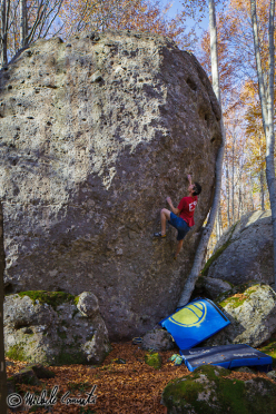 Michele Caminati on the boulder problem Apollo 7B+, Amiata