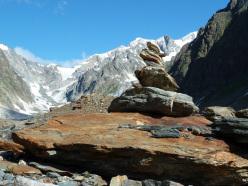 Il 9 e l' 11 dicembre 2012 il comune di Valpelline rende omaggio ai cairn, quegli indispensabili mucchietti di pietre che aiutano l'orientamento in montagna contribuendo, a volte, anche a salvare delle vite.