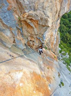 Cecilia Marchi climbing Alfredo Alfredo, Monte Oddeu