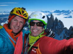 Un mar de suenos! (Jorge Ackermann, Michael Lerjen-Demjen, 1200m, 7a, A3, M4, 14-17/11/2012)