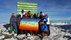 Quinto giorno. Uhuru peak 5895m con la bandiera Ubuntu