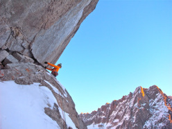 20/11/2012: Matt Helliker and Jon Bracey on Eyes Wide Shut (900m, ED1, M6, AO, UIAA IV+) on the NE Face of Mont Rouge di Greuvetta (Mont Blanc massif)