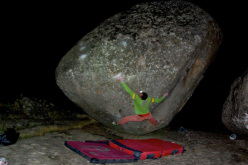Nacho Sánchez attempting the boulder problem Zarzafar 8B+ at Zarzalejo in Spain.