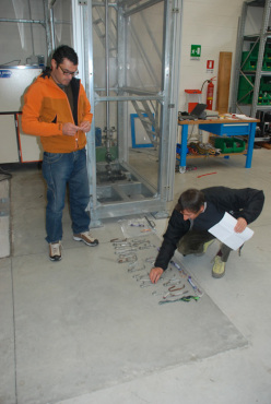Emanuele Pellizzari and Giuliano Bressan at the laboratory Centro Studi Materiali e Tecniche del CAI (Taggì di Sopra - Villafranca Padovana - Pd)