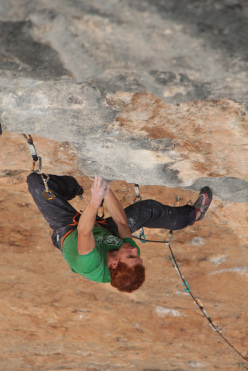 Gabriele Moroni on Joe Blau at 8c+ at Oliana, Spain