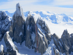 The route line of Tobogan (600m, AI4, M6), Cerro Standhardt, Patagonia.