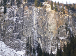 15/12/2012: Markus Pucher and Alois Krenn establishing Schwarzer Engel (WI7+, M7, E6, 160m) in the Maltatal, Austria.