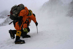Simone Moro, the drama on Broad Peak and winter mountaineering in the Himalaya
