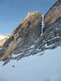 The return after Psyco Killer, Tofana di Rozes, Dolomites (Beppe Ballico, Andrea Gamberini & Marco Milanese 12/01/2013)