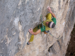 Riccardo Scarian su Child in Time 8c+, Fonzaso