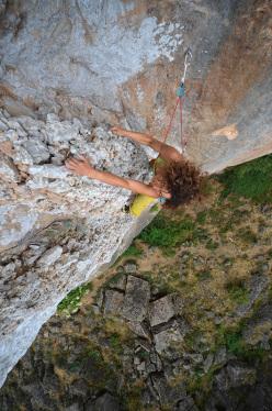 La particolarissima roccia del Canyon di Ulassai e la via