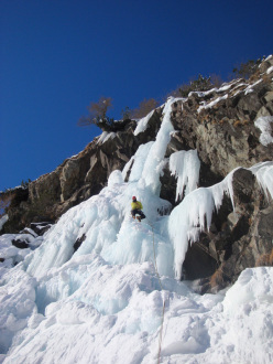 Cristian Candiotto climbing Crys (II/5, 60m) on 26/01/2013