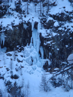 The icefall Crys (II/5, 60m) first climbed on 26/01/2013 by Cristian Candiotto and Alfredo Tosarini.
