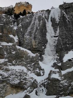Bava della Sueur (III/5/D2, 80m), first climbed on 12/01/2013 by Marco Conti and Mirella Becciu at Rocce della Sueur, Bardonecchia.