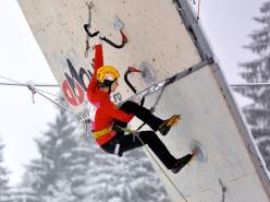 Angelika Rainer durante la 4° tappa della Coppa del Mondo di arrampicata su ghiaccio a Busteni.