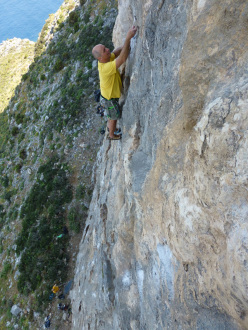 Andy Newton climbing Progressive Rock 6a