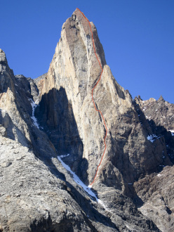 El Zorro (700m, 5.10, A1, Colin Haley, Sarah Hart, 21/02/2013), West Face of Mojon Rojo, Patagonia.