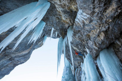 Robert Jasper adds difficult mixed climb to Breitwangflue at Kandersteg