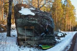 Niccolò Ceria sending Frost 8A+ at Västervik