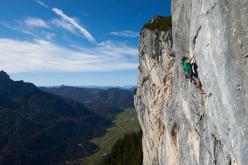Alexander Huber climbing Nirwana 8c+, Loferer Alm, Austria
