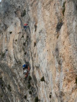 Aldo Mazzotti and Stefano Salvaterra at the 4th belay